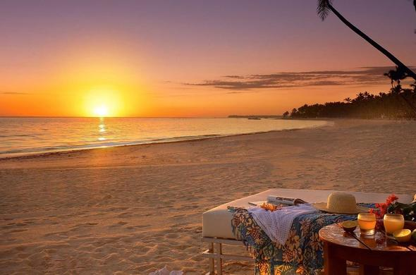 Witness the magical sunset on the beach while staying at Bayview Lodge.