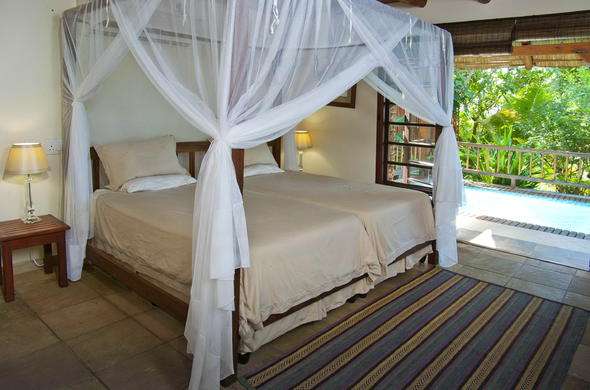 Vila Do Paraiso offers accommodation in cosy bedrooms with private pools.